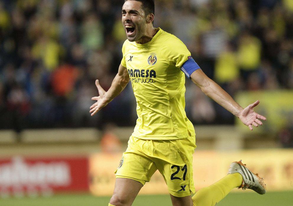 Foto: Bruno Soriano celebra su espectacular gol de libre directo (EFE).