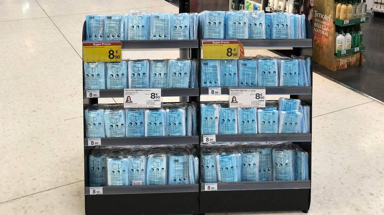 Carrefour estrena la venta de mascarillas en los supermercados de Madrid
