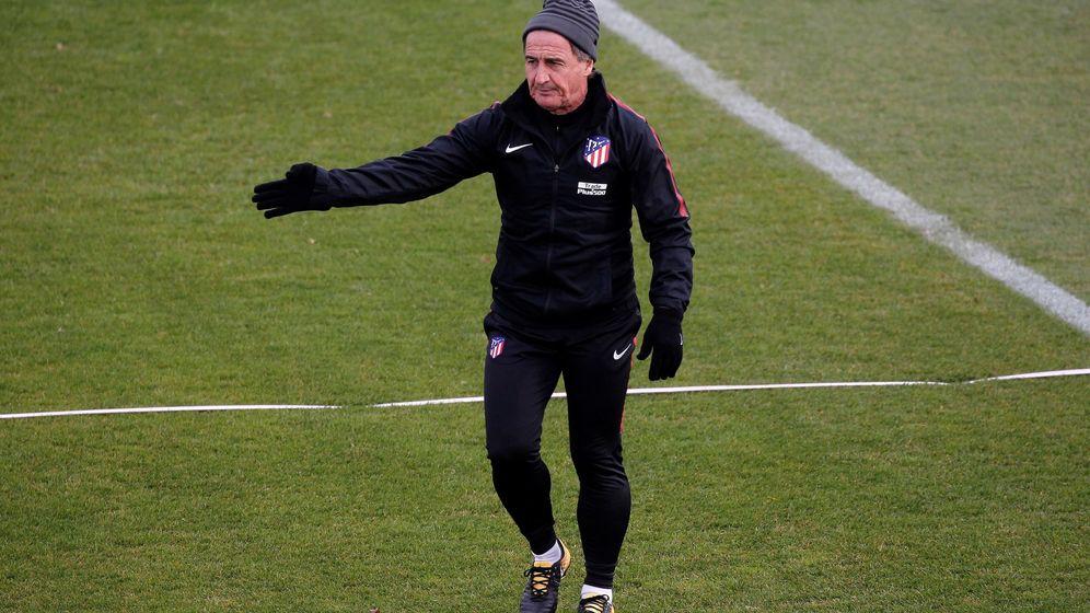 Foto: El Profe Ortega, durante un entrenamiento con el Atlético de Madrid. (EFE)