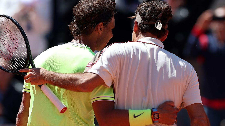 El reloj de Rafa Nadal sobre la pista de Roland Garros. (EFE)