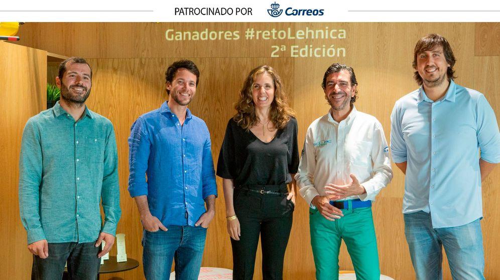 Foto: De izquierda a derecha: Daniel Vila (Recognai), Ramiro Gramajo (Bavcn), Carlota Mateos (Pleneat), José María Gómez (Scoobic) y Miguel Fernández (Dotgis).