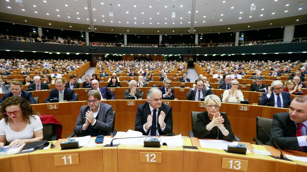 Foto: Vista general del hemiciclo durante una sesión del pleno del Parlamento Europeo. (EFE)