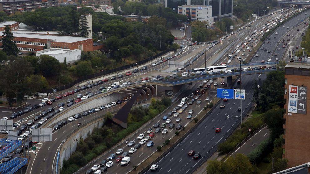 El caos vuelve a Madrid: atascos de 4 horas por la lluvia y varios accidentes