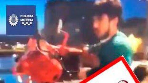 Un chico roba una bici pública en Murcia, la tira al río y lo cuelga en Instagram