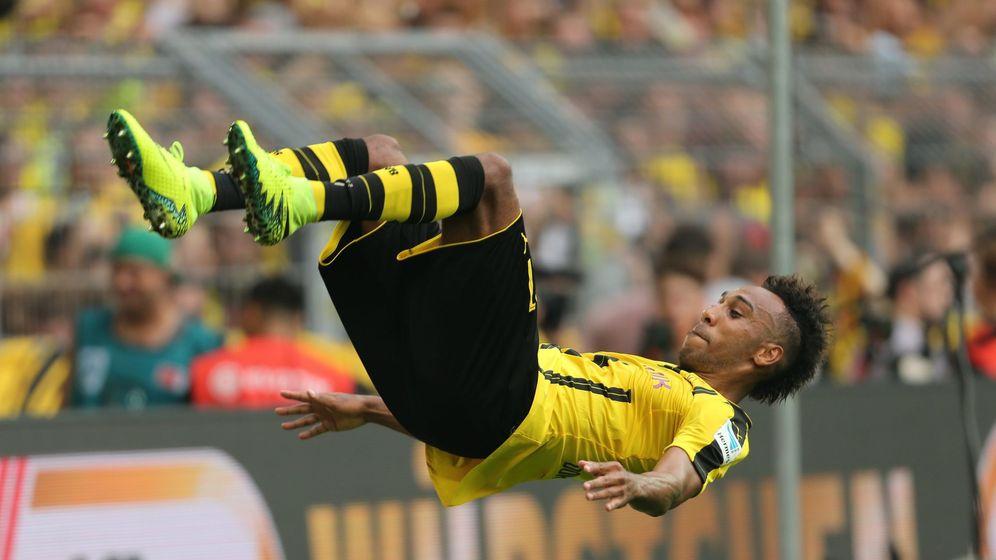 Foto: Aubameyang celebra con una pirueta un gol al Mainz en la Bundesliga. (EFE)