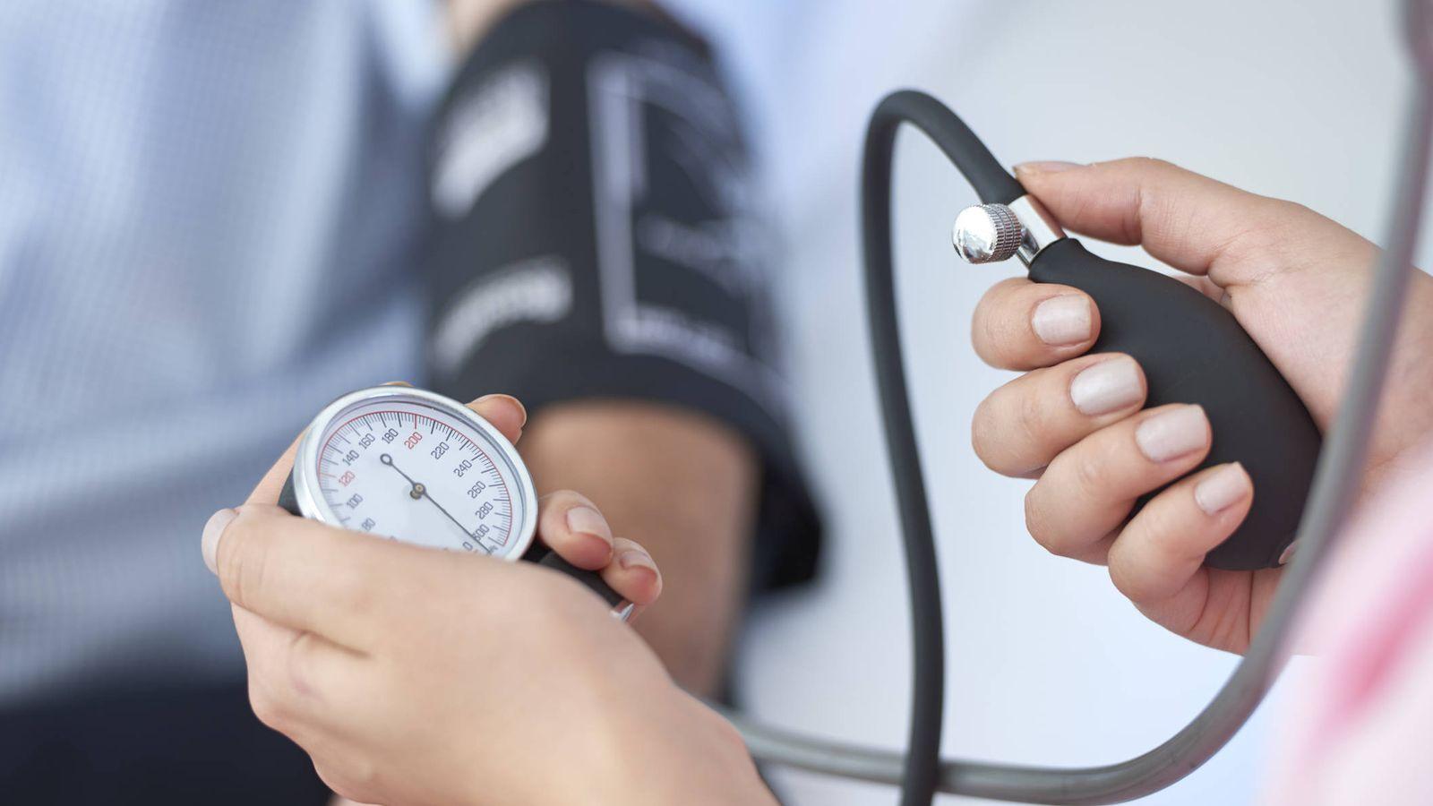 Infartos: Los peligros de la presión arterial alta y cómo bajarla sin  pastillas