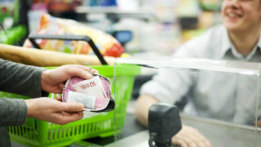Los españoles se lanzan a contratar créditos al consumo y seguros de vida
