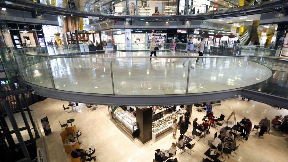 Foto: El centro comercial Arenas de Barcelona, construido después del cierre de la plaza de toros donde se ubica. (Reters/Albert Gea)
