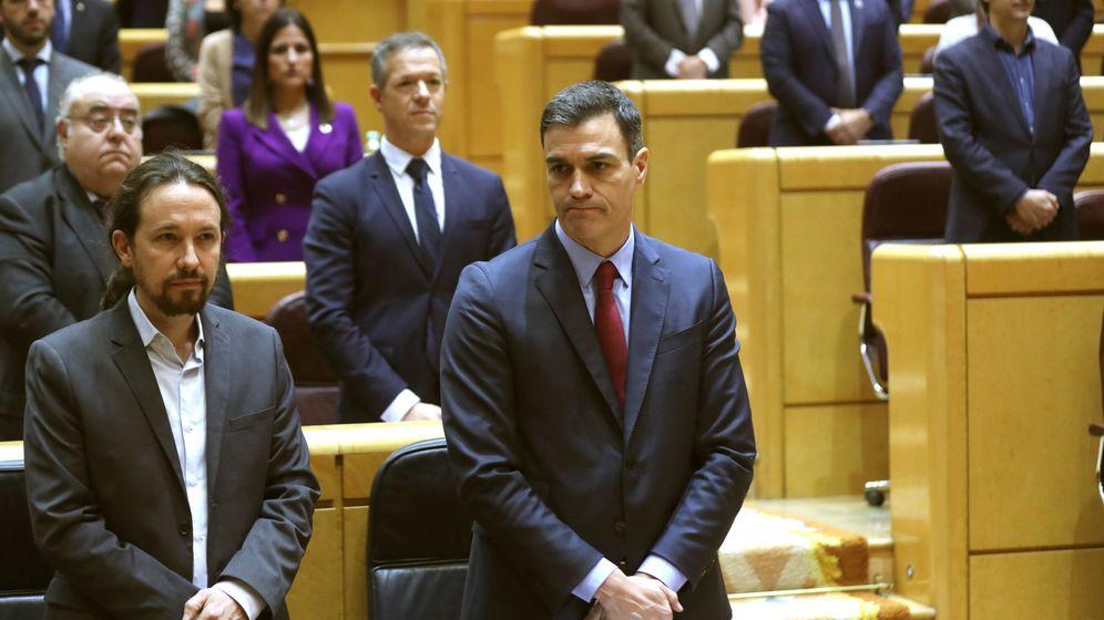 Foto:  Pedro Sánchez (c) y el vicepresidente segundo, Pablo Iglesias, en el Senado. (EFE)