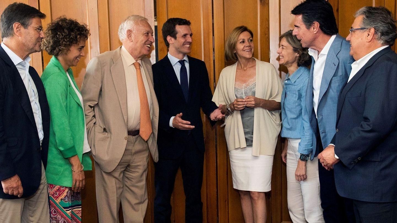 Pablo Casado, en el almuerzo que mantuvo este jueves con varios exministros de Rajoy. (EFE)