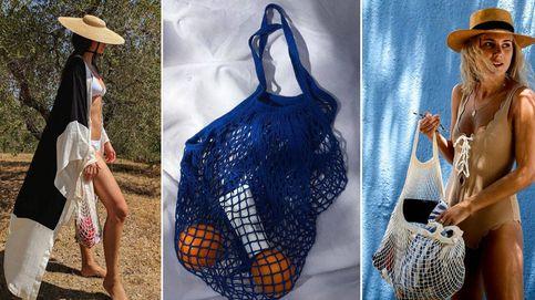 Rejilla de supermercado, el nuevo bolso de moda que (ya) tienes en casa