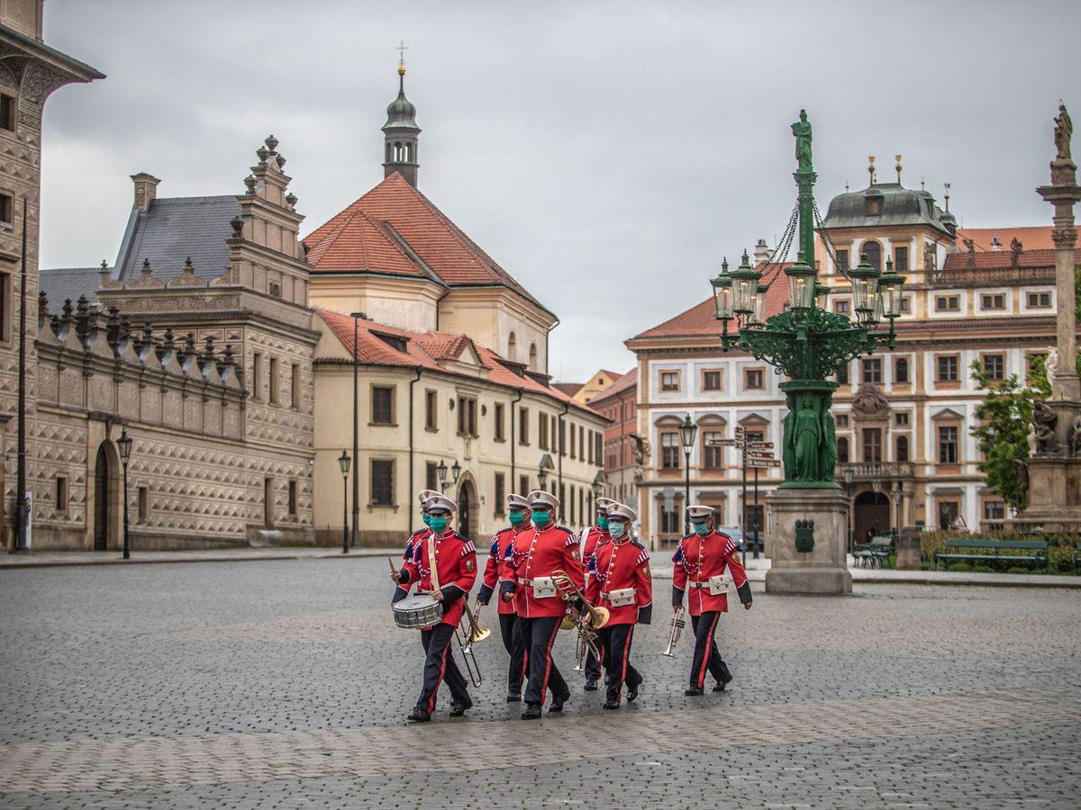 Foto: El castillo de Praga, reabierto tras la crisis del coronavirus. (EFE)