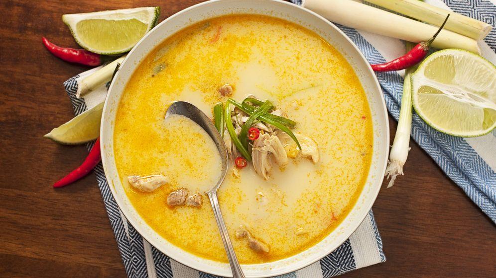 Foto: Sopa thai de pollo. (iStock)