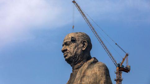 Construcción de la Estatua de la Unidad en India