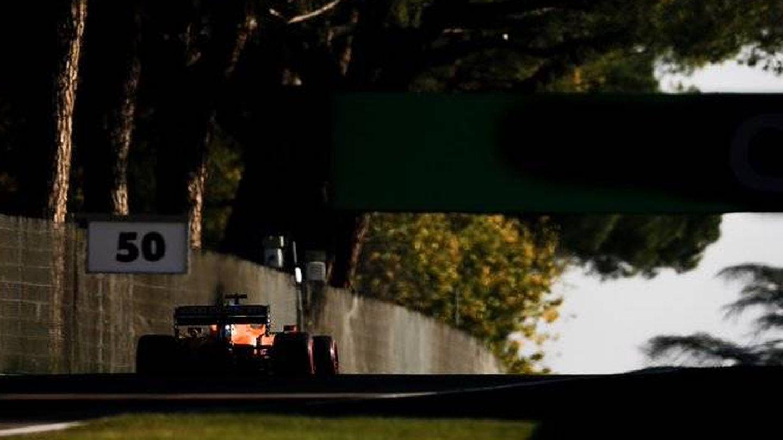 Los pilotos disfrutan con el trazado de Imola, pero avanzan que será muy difícil adelantar (McLaren)