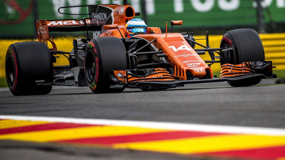 Foto: Fernando Alonso abandonó en la vuelta 27 del GP de Bélgica. (EFE)