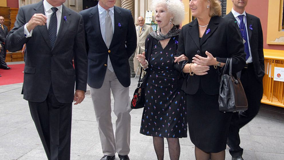 La Duquesa de Alba y Alfonso Díez, juntos en las procesiones
