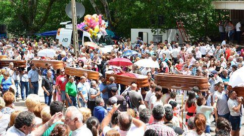 Un cura, vecinos enfadados y Santa Marta: la procesión de ataúdes de Galicia, en crisis
