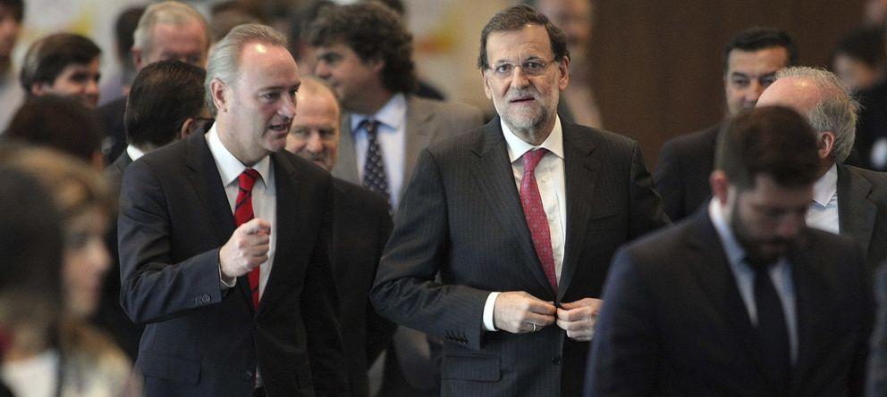 Foto: El presidente del Gobierno, Mariano Rajoy (d) y el presidente de la Generalitat Valenciana, Alberto Fabra (Efe)