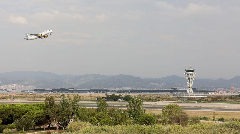 Aspecto del aeropuerto de Barcelona. (EFE)