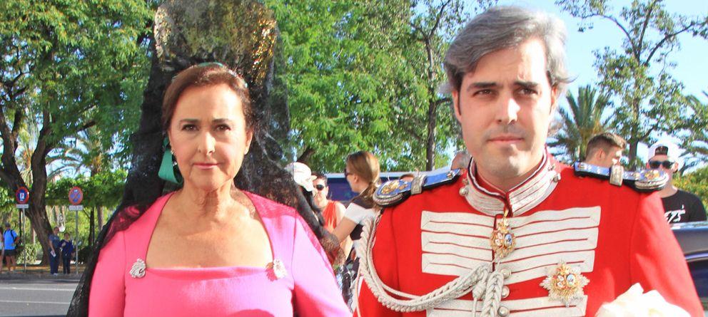 Foto: Miguel Ángel Solís junto a su madre, Carmen Tello, en una imagen de archivo (Gtres)