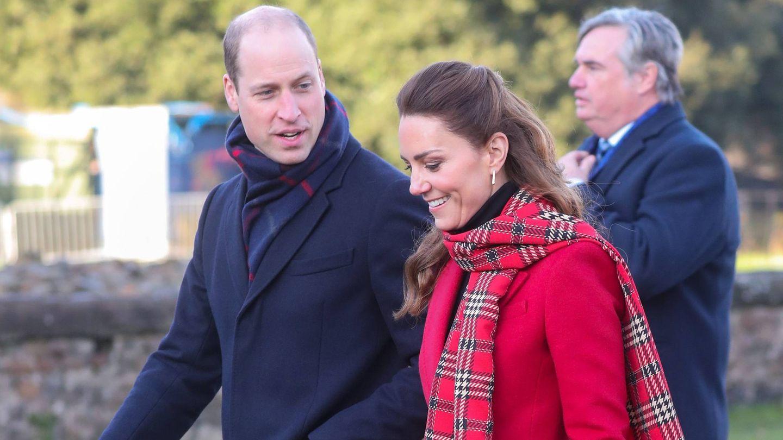 Los duques, durante su visita al castillo de Cardiff. (CP)