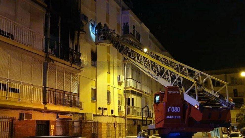Siete afectados en el incendio de un edificio en La Macarena (Sevilla)