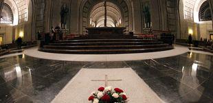 Post de Quitó flores de la tumba de Franco y le echaron: