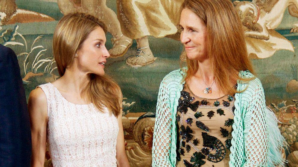 Foto:  La reina Letizia y la infanta Elena.