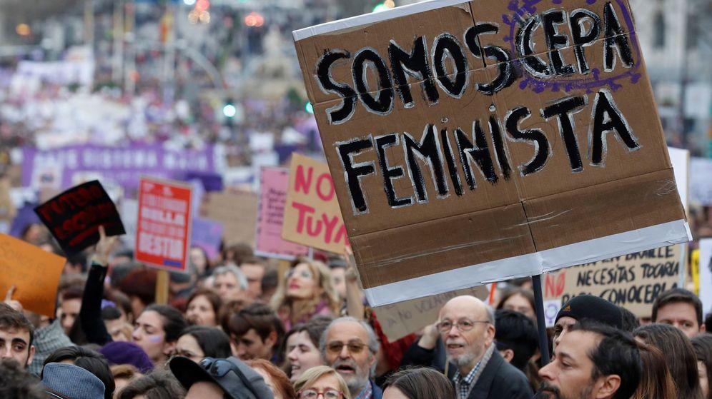 Foto: Participantes en la manifestación del 8-M de Madrid, conmemorando el Día Internacional de la Mujer. (EFE)
