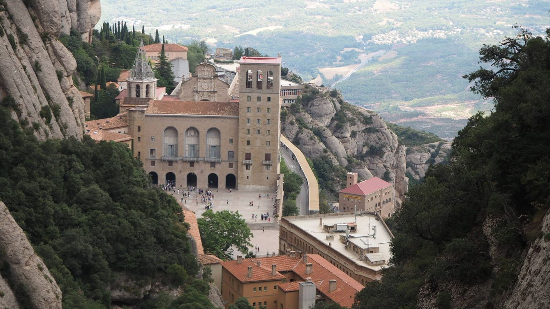 Un grupo radical profana Montserrat y prepara acciones espectaculares por toda Cataluña