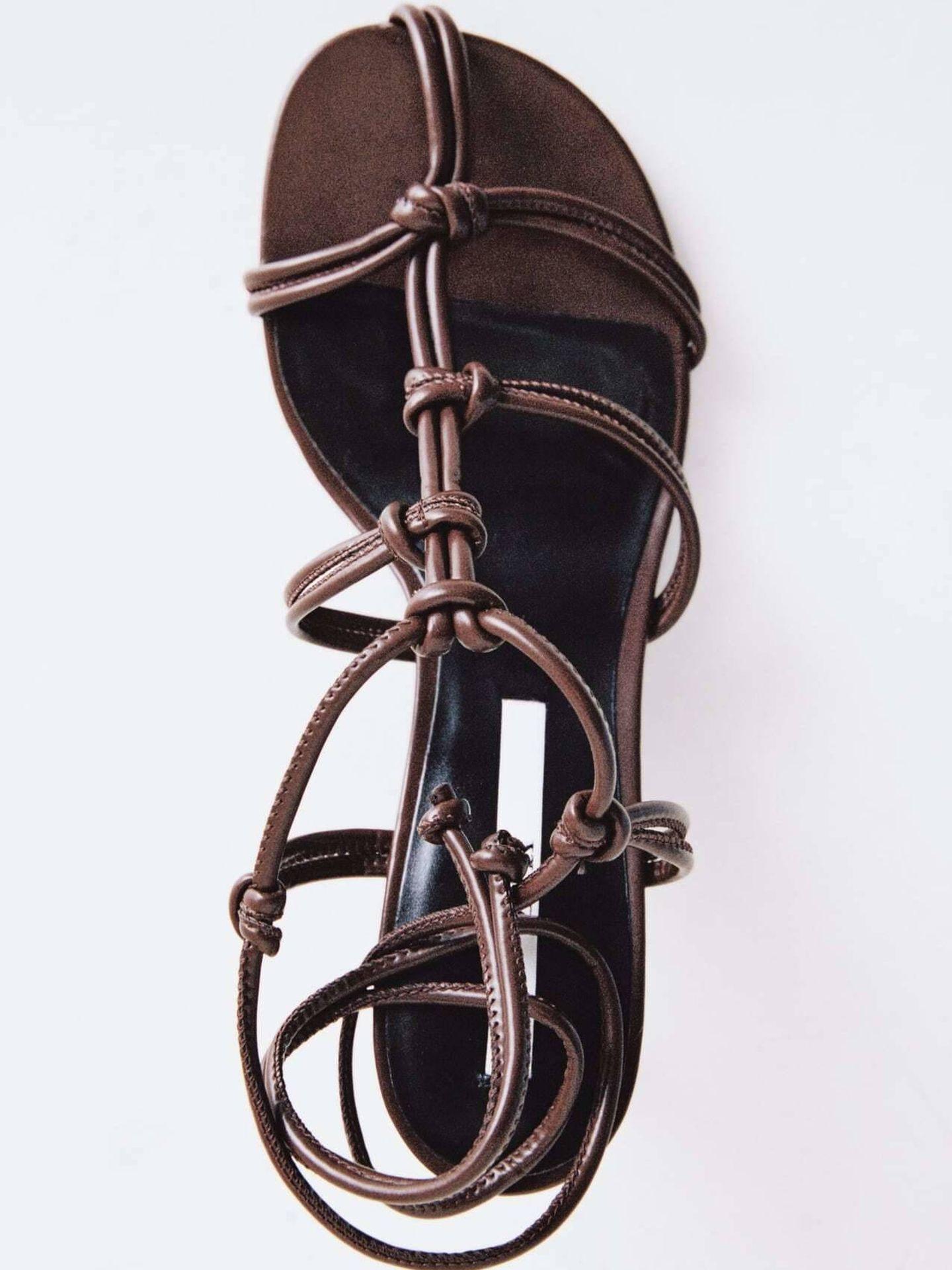 Las sandalias de Zara. (Cortesía)