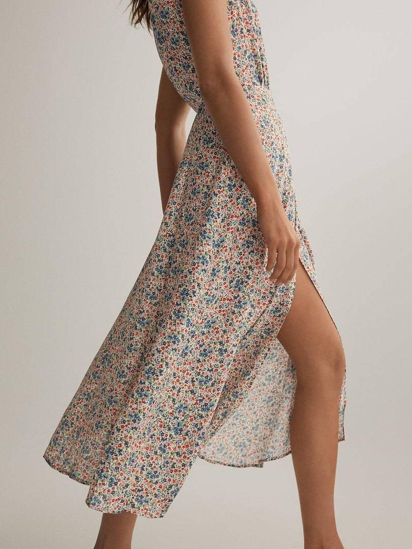 El nuevo vestido de flores de Oysho. (Cortesía)