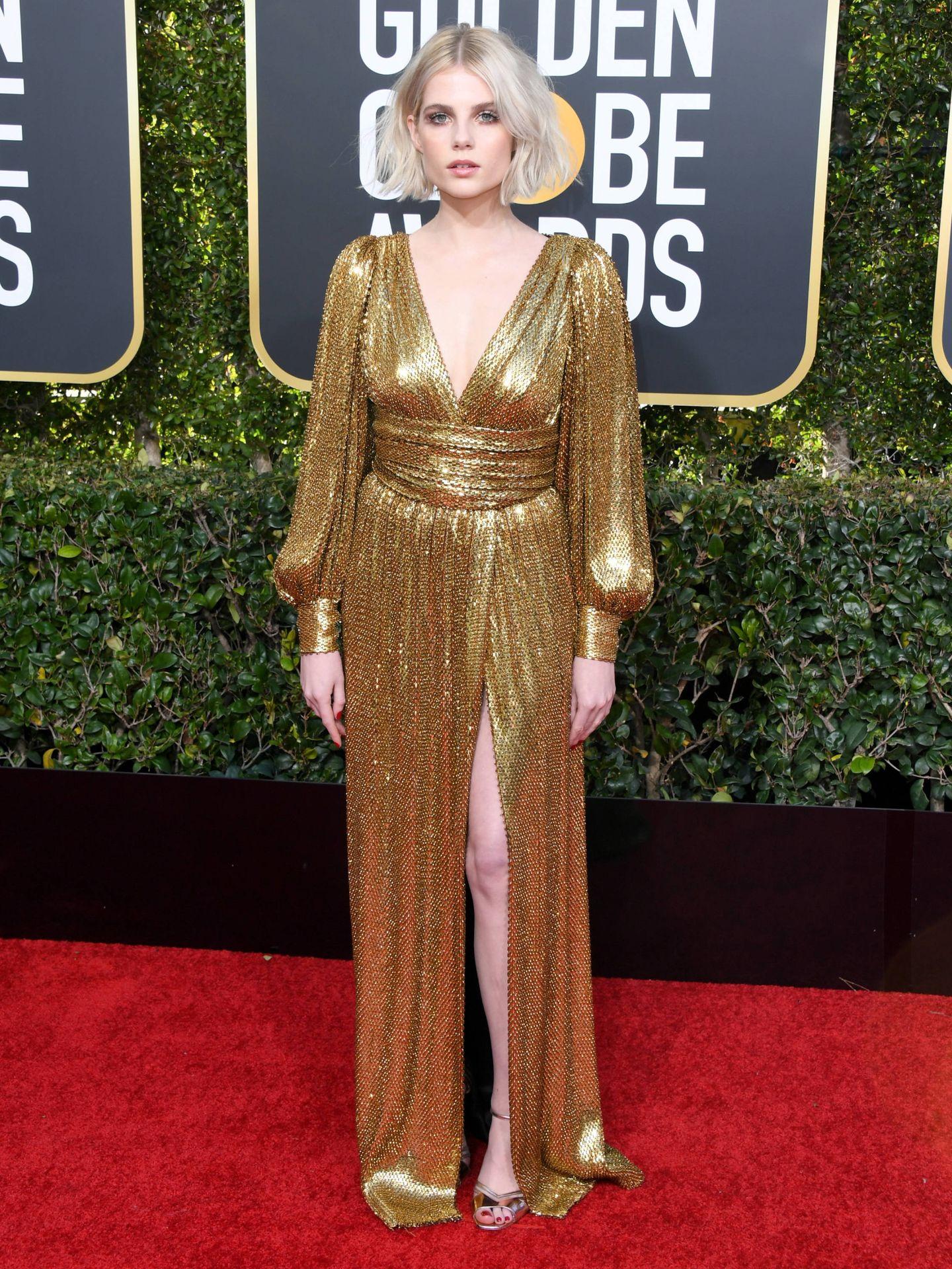 Lucy Boynton durante la pasada ceremonia de los Globos de Oro vestida de Celine. (Getty)