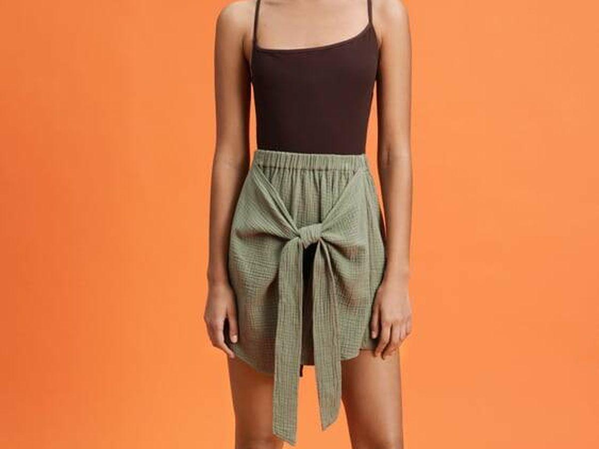 Foto: Falda de Zara para presumir de una cintura fina y un vientre más plano. (Cortesía)