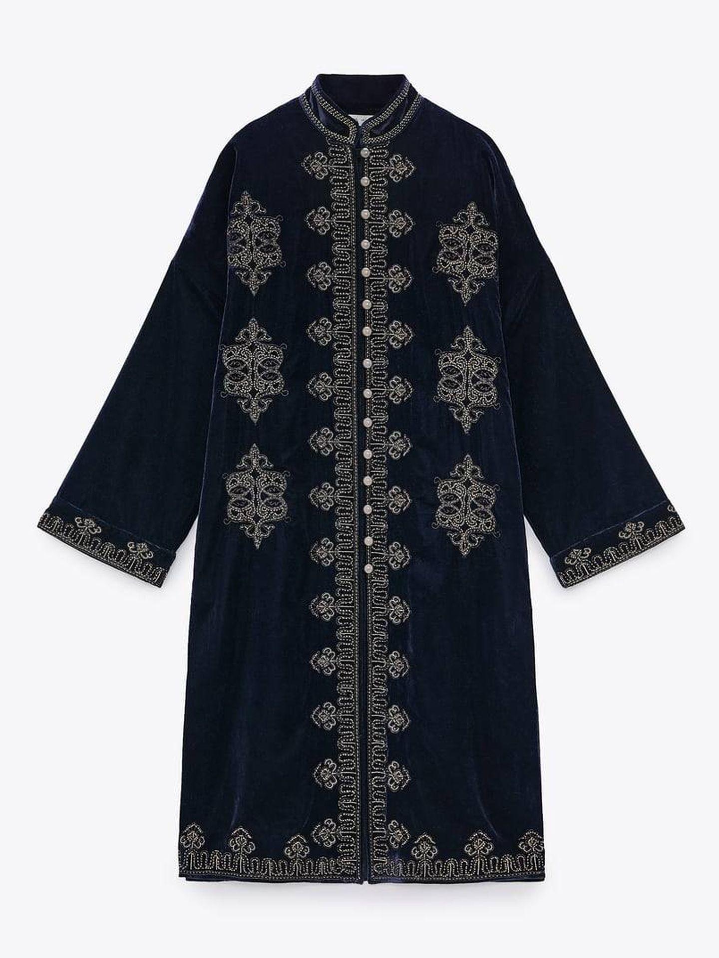 Camisa kimono de Zara. (Cortesía)