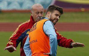 Piqué abraza la bandera de España semanas después de 'renunciar' a la Roja
