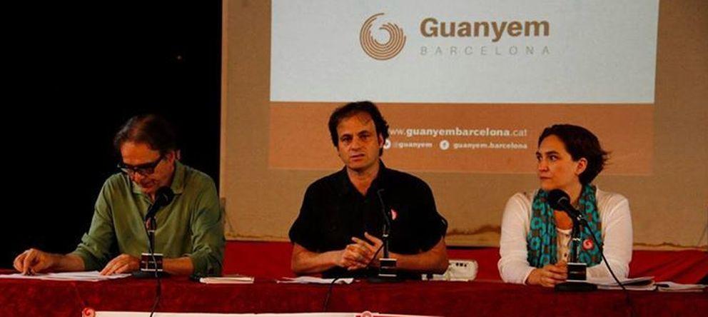 Foto: Los portavoces de Guanyem Barcelona, Joan Subirats, Jaume Asens y Ada Colau, durante la presentación de su candidatura. (Facebook/Guanyem)