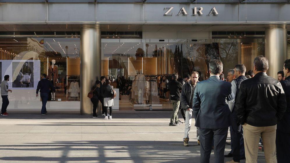 Foto: La fachada de la nueva tienda de Zara, la más grande del mundo, inaugurada en abril en Madrid. (EFE)