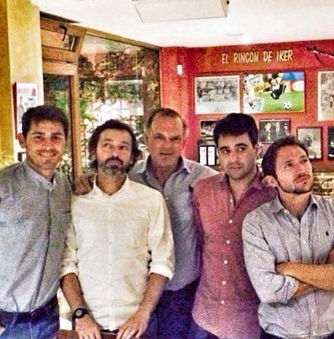 Iker Casillas, Luis Canut, Piqueras, un amigo y Manuel Martos (Instagram)