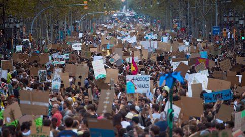 Miles de personas se manifiestan por España en el cierre de la Semana del Clima