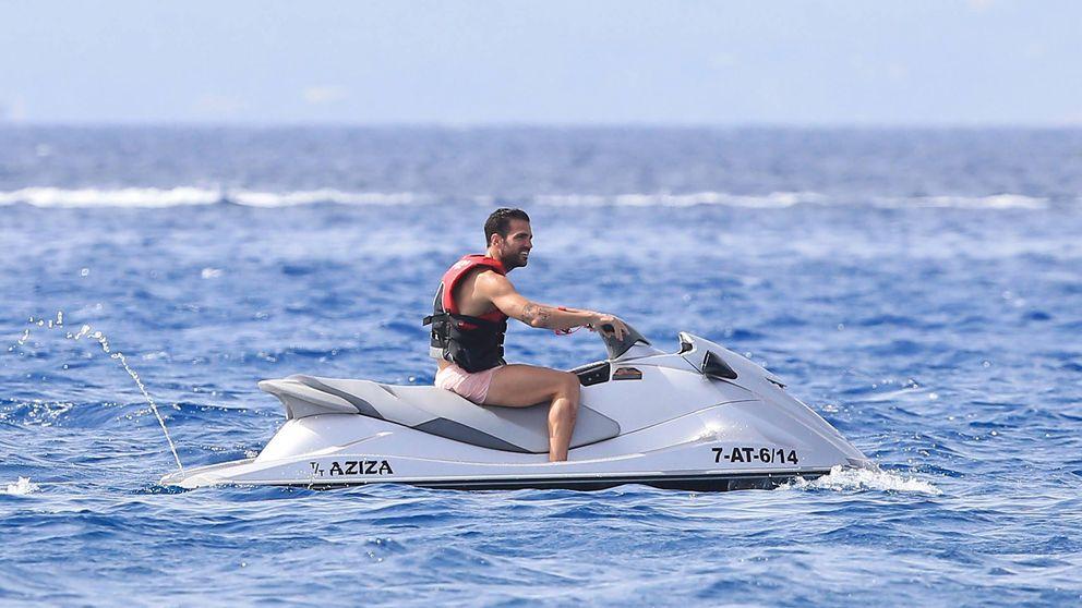 Fábregas, de vacaciones en Ibiza
