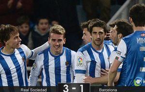 El Barcelona se desquicia en Anoeta ante la Real más voraz del curso