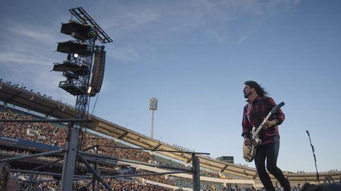 Lo más grunge de Grohl: se rompe una pierna en directo y sigue en silla de ruedas