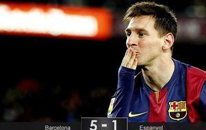 Messi despierta al Espanyol de su sueño con un 'hat-trick' y otra lección de fútbol