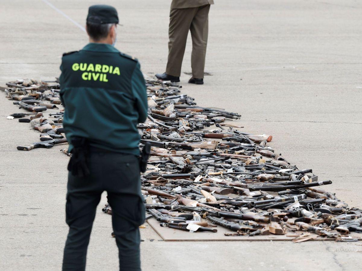 Foto: Acto de destrucción de armas incautadas a ETA y los Grapo. (EFE)