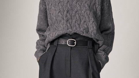 El pantalón de Massimo Dutti con el que presumir de cintura mientras alargas tu figura