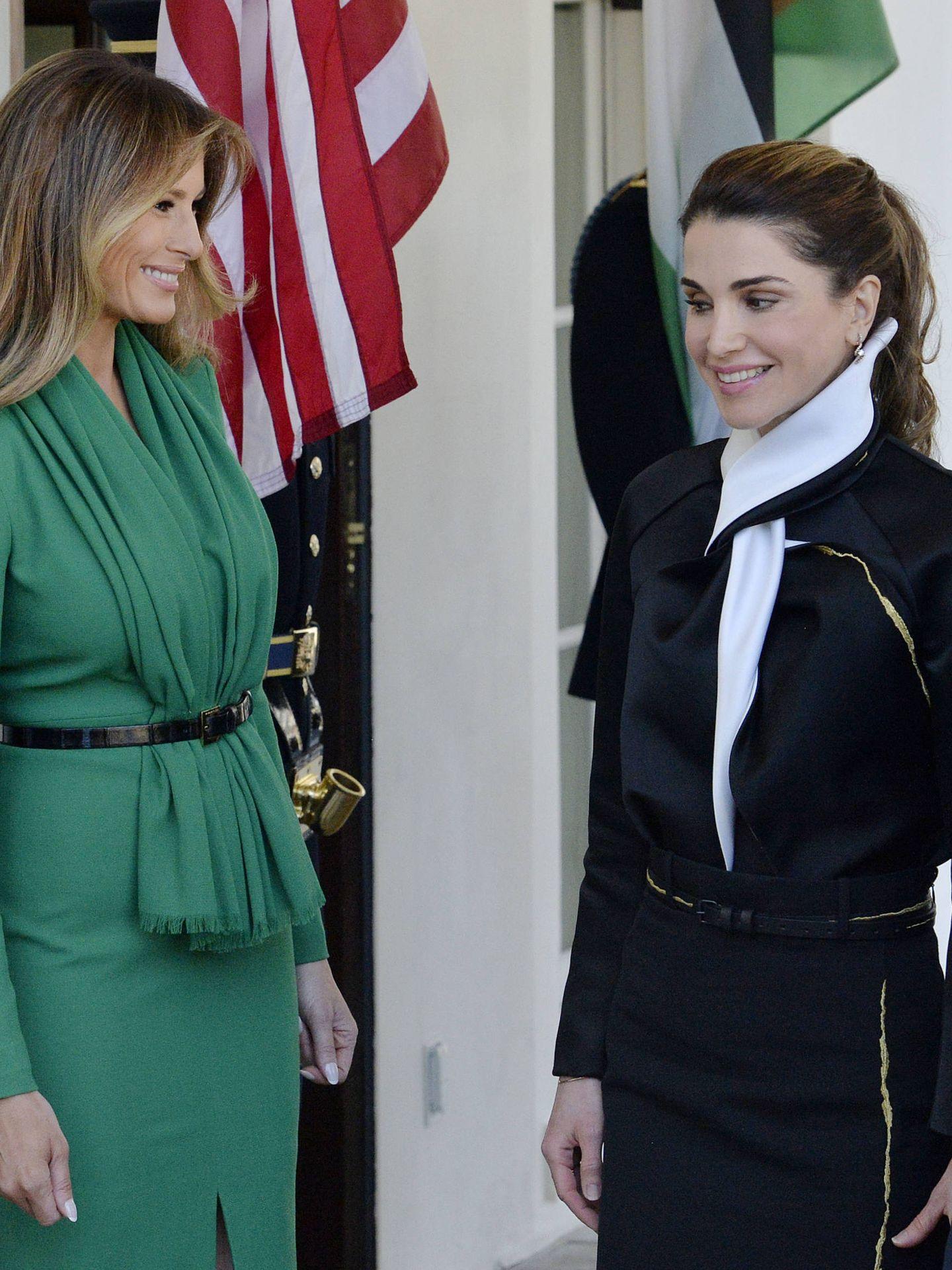 Melania Trump y Rania, en abril del año pasado. (Gtres)
