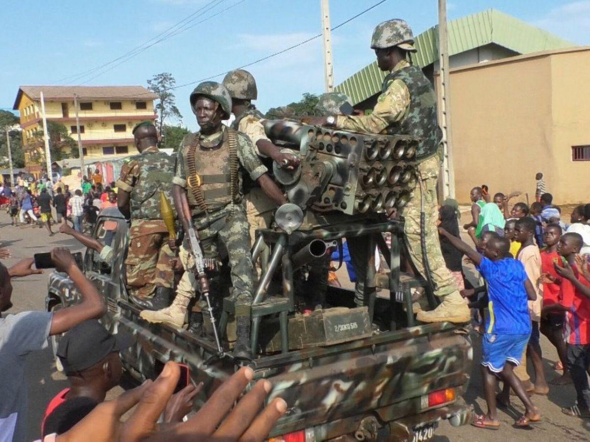 Foto: Soldados en Conakri. (EFE)