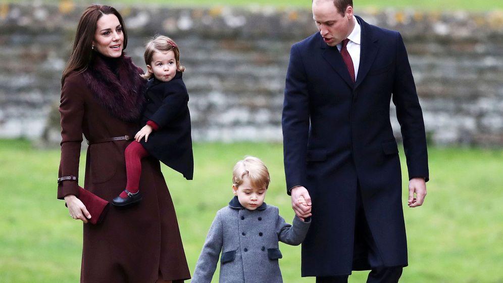 83fedfa141 Familia Real Británica  ¡Al fin! Tenemos la felicitación navideña de ...